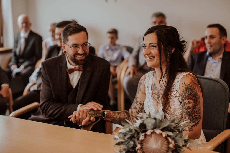Hochzeitsreportage, Standesamt, Trauung, Hochzeitsfotografie, Oberpfalz, Schwandorf, Amberg, Melanie Demel